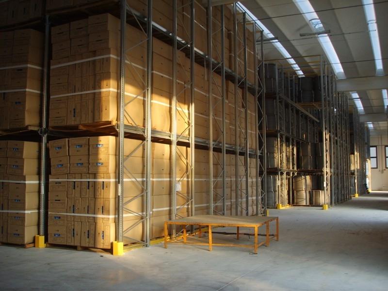 Scaffalatura industriale drive-in 8