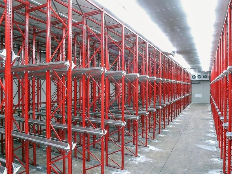 Scaffalatura industriale drive-in 10