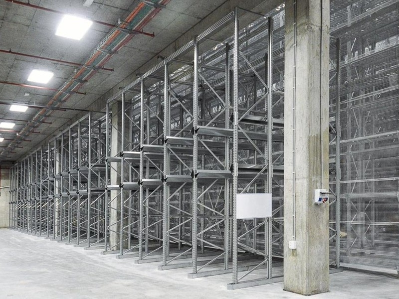 Scaffalatura industriale drive-in 11