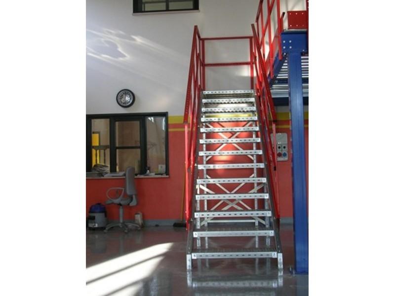 scale industriali da magazzino 15